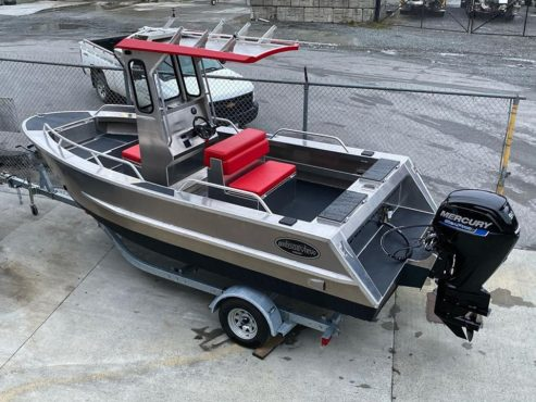 Bridgeview centre console boat with Mercury outboard motor